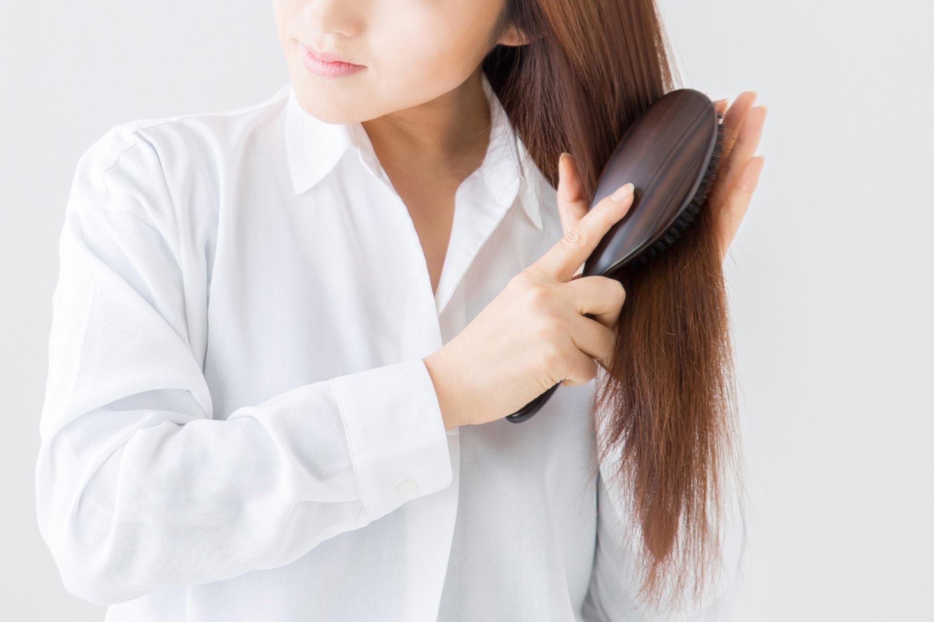 【薄毛の原因】女性の薄毛の原因の「ひこう性脱毛症」とは