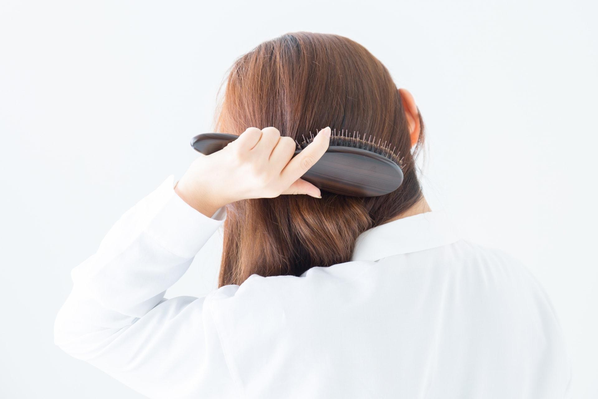 【薄毛の原因】女性の薄毛の原因「脂漏性脱毛症」とは