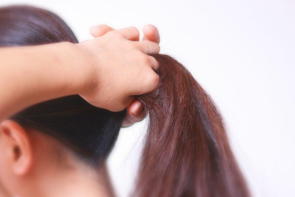【薄毛の原因】女性の薄毛の原因のけんいん性脱毛症とは